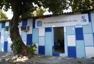 A Casa do Trabalhador, na Estrada da Cacuia, é gerida pela Secretaria de Trabalho e Renda Foto: marcelodejesus / Agência O Globo