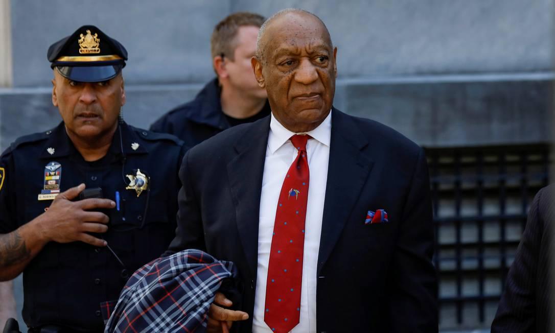 Bill Cosby deixa o tribunal de Montgomery após ser acusado de abuso sexual Foto: Brendan McDermid / REUTERS