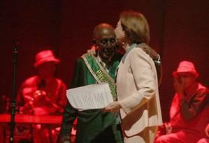 Fernanda Montenegro participou de evento com Nelson Sargento recitando sambas mangueirenses em 2014 Foto: Roberto Moreyra / Roberto Moreyra