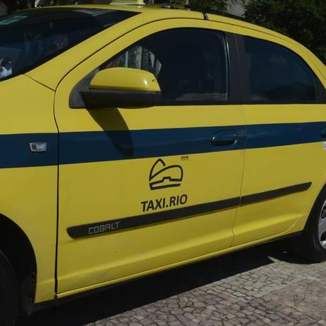 Prefeitura vai cobrar taxa de motoristas que usarem aplicativo Taxi Rio Foto: Divulgação