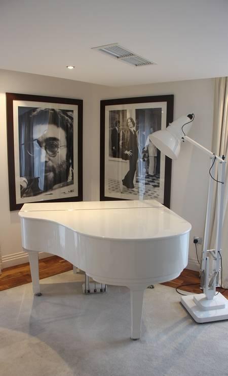 Os Beatles também inspiraram o Hard Days Night Hotel. Na imagem, a suíte em homenagem a John Lennon Foto: Eduardo Maia / O Globo