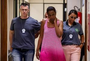Mulher está presa acusada de tentar matar bebês Foto: Marcelo Regua / Agência O Globo