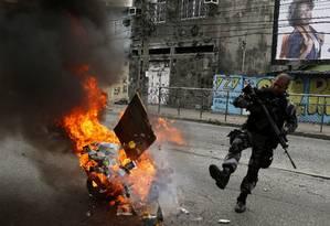 PM faz operação na Cidade de Deus, na Zona Oeste do Rio (Arquivo) Foto: Antonio Scorza / Agência O Globo