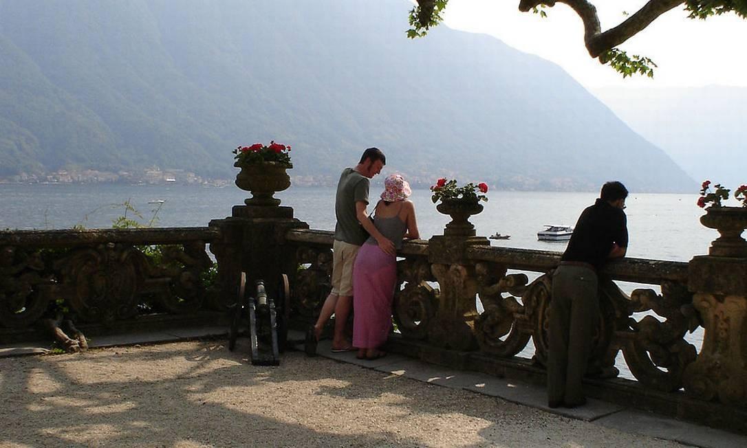 """A saga Star Wars teve seus momentos românticos e alguns deles se passaram em Naboo, ninho dos pombinhos Padme e Anakin Skywalker em """"Star Wars - Episódio II"""". Um dos cenários reais usados foi a Villa Balbianello, construída em 1787 às margens do Lago Como, na Itália Foto: Creative Commons"""