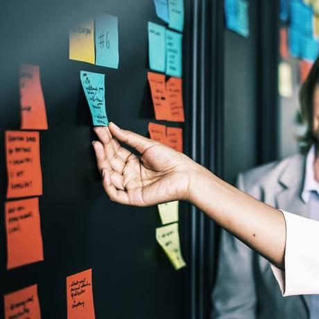 Brainstorm: Escolha um nome que passa a mensagem principal do que você oferece Foto: Pixabay