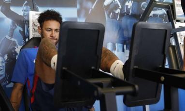 Neymar faz trabalho na academia em seu retorno ao PSG Foto: C. Gavelle / PSG/Divulgação