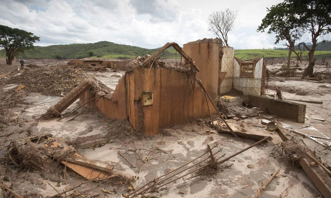 Ruinas do distrito de Bento Rodrigues, em Mariana, destruido pelo rompimento da barragem Fundão, da Samarco Foto: Márcia Foletto