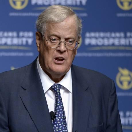 David Koch mantém organização Americanos pela Prosperidade, ao lado do irmão Charles Foto: Phelan M. Ebenhack / AP