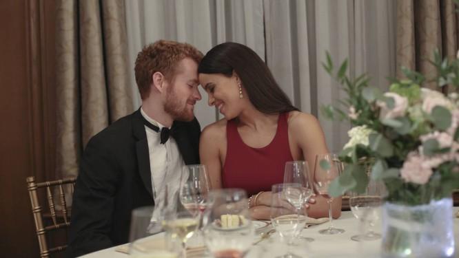 A americana Parisa Fitz-Henley e o escocês Murray Fraser foram os escolhidos para viver Meghan Markle e o príncipe Harry em telefilme Foto: Divulgação