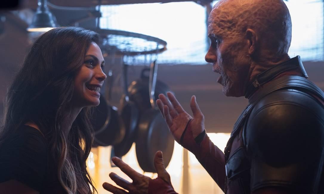 Morena Baccarin como Vanessa, e Ryan Reynolds como Deadpool no segundo filme da franquia Foto: Divulgação
