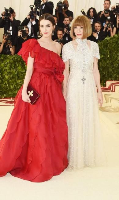 Anna Wintour e a filha, Bee Shaffer. A mãe vestiu Chanel. A filha, Valentino Jamie McCarthy / AFP