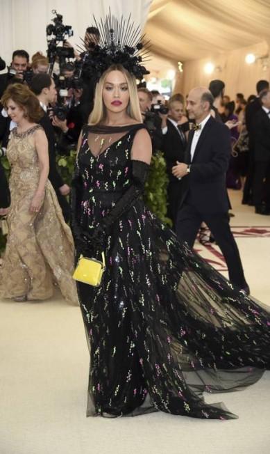 Rita Ora vestiu Prada Evan Agostini / Evan Agostini/Invision/AP