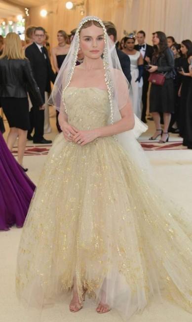 Kate Bosworth veste Oscar de la Renta Neilson Barnard / AFP