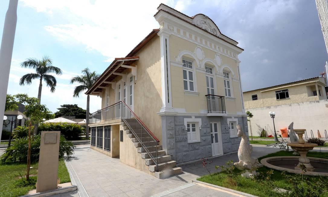 Palácio construído em Oswaldo Cruz como um presente para a cidade em seu 450º aniversário Foto: Agência O Globo