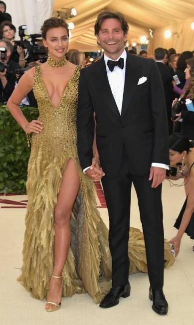 Irina Shayk e Bradley Cooper Neilson Barnard / AFP
