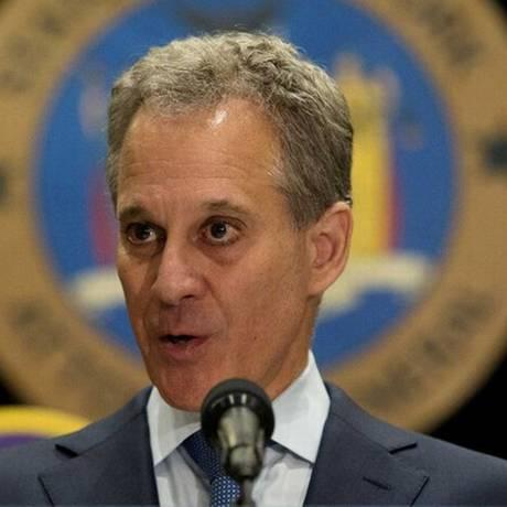 Eric Schneiderman renunciou ao cargo de procurador-geral do estado de Nova York Foto: Brendan McDermid / Reuters