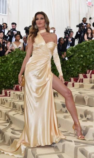 Gisele Bündchen, de Versace HECTOR RETAMAL / AFP