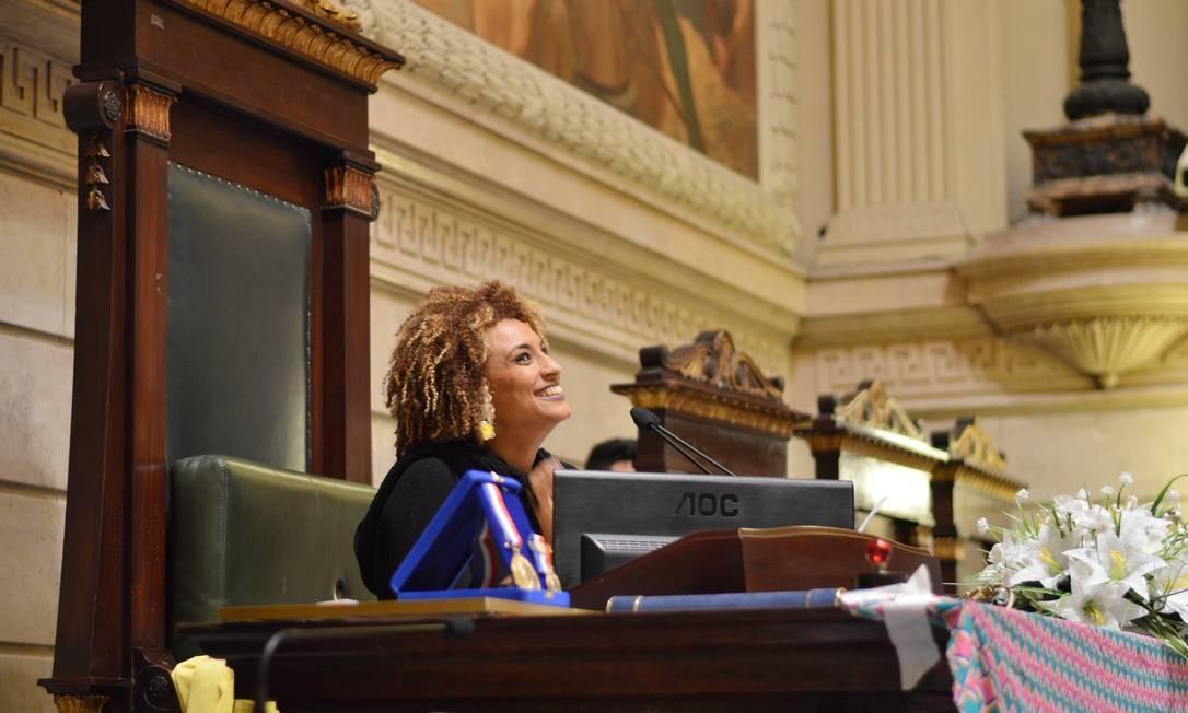 Vereadora Marielle Franco durante uma sessão na Câmara do Rio Foto: Rafaela Cassiano / Agência O Globo