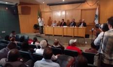 Mesa de participantes da audiência pública da Comissão de Transportes da Alerj Foto: Divulgação