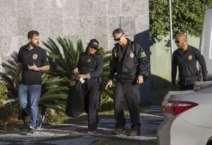 PF cumpre 120 mandados de busca e apreensão em cidades paulistas, numa operação de combate a fraudes em licitações Foto: Edilson Dantas / Agência O Globo