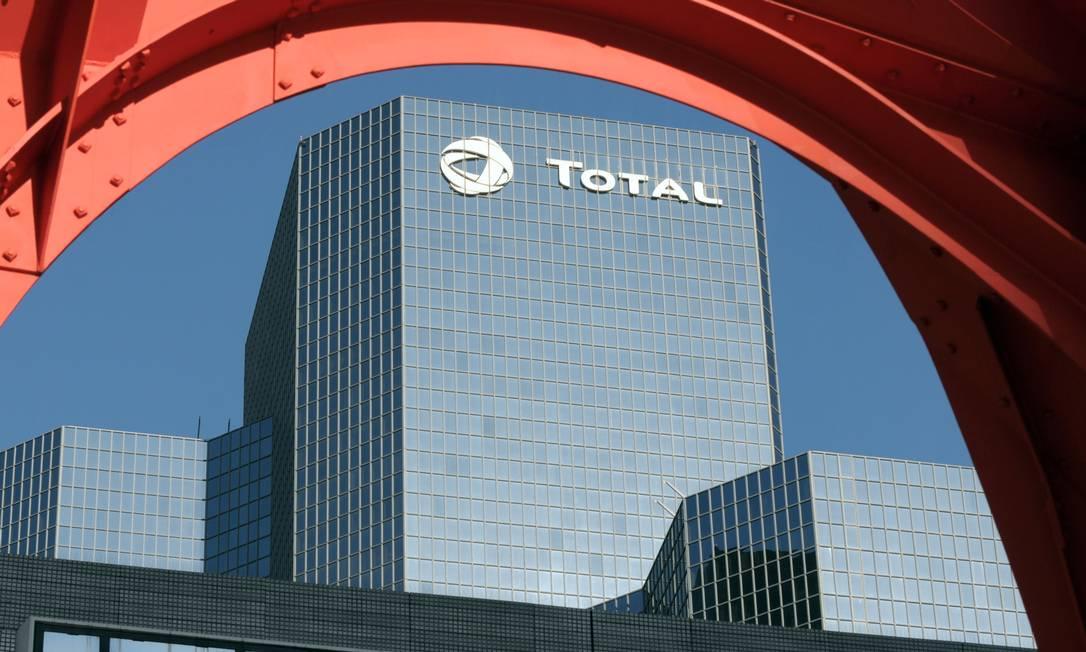 Sede da Total fica em Paris, França Foto: Eric Piermont / AFP