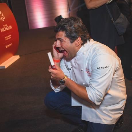 Chef Felipe Bronze, do Oro, após conquistar a segunda estrela Michelin para o restaurante Foto: Alexandre Virgilio_ / Divulgação
