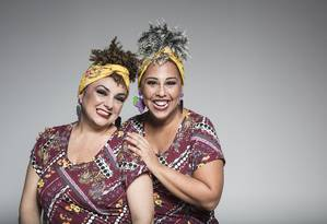 Patrícia Pinho (à esquerda) e Evelyn Castro são as protagonistas do espetáculo Foto: Divulgação