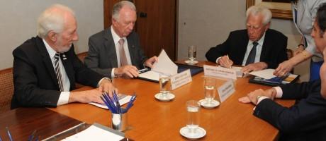 Acordo foi assinado no dia 18 de abril, no Rio de Janeiro Foto: Divulgação