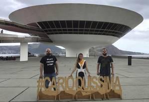 MAC. Os organizadores André, Nathalie Al Jalali e Marcelo Costenplatte Foto: Divulgação