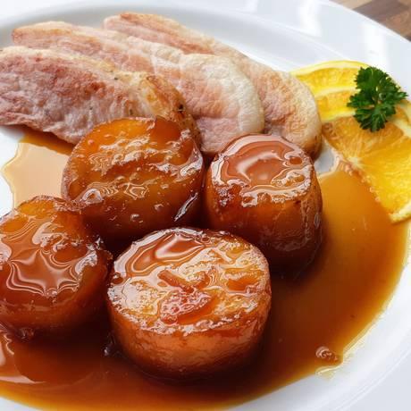 Tempo de cozimento. É o segredo da receita da batata-doce caramelizada de Terezinha Rosseto, mãe da chef Liciane Rosseto, do Tenore Gourmet: a partir de R$ 94,90 o quilo Foto: Divulgação