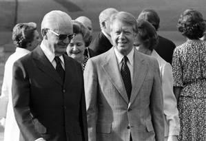 Geisel ao lado de Jimmy Carter, ex-presidente dos EUA Foto: Arquivo