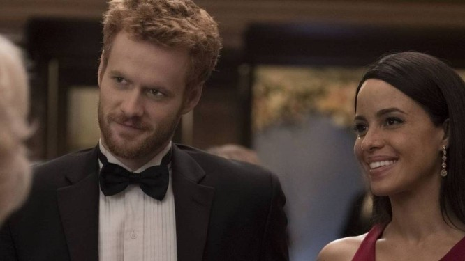Murray Fraser como Harry e Parisa Fitz-Henley como Meghan Foto: Divulgação