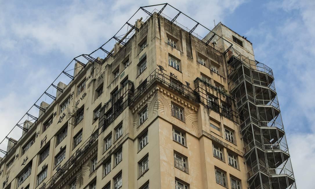 Em estilo art déco, o edifício tem 102 metros de altura e, segundo a SPU, foi avaliado em R$ 120 milhões. Foto: Guito Moreto / Agência O Globo