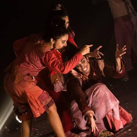 A peça 'Crônicas para uma cidade ou um amanhecer abortado' faz parte da programação Foto: Divulgação/Diogo Nunes