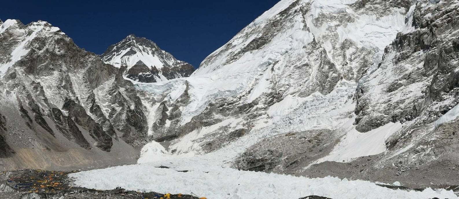 Visual do Acampamento Base do Monte Everest, no Nepal, onde chefs indianos pretendem abrir restaurante pop-up Foto: PRAKASH MATHEMA / AFP
