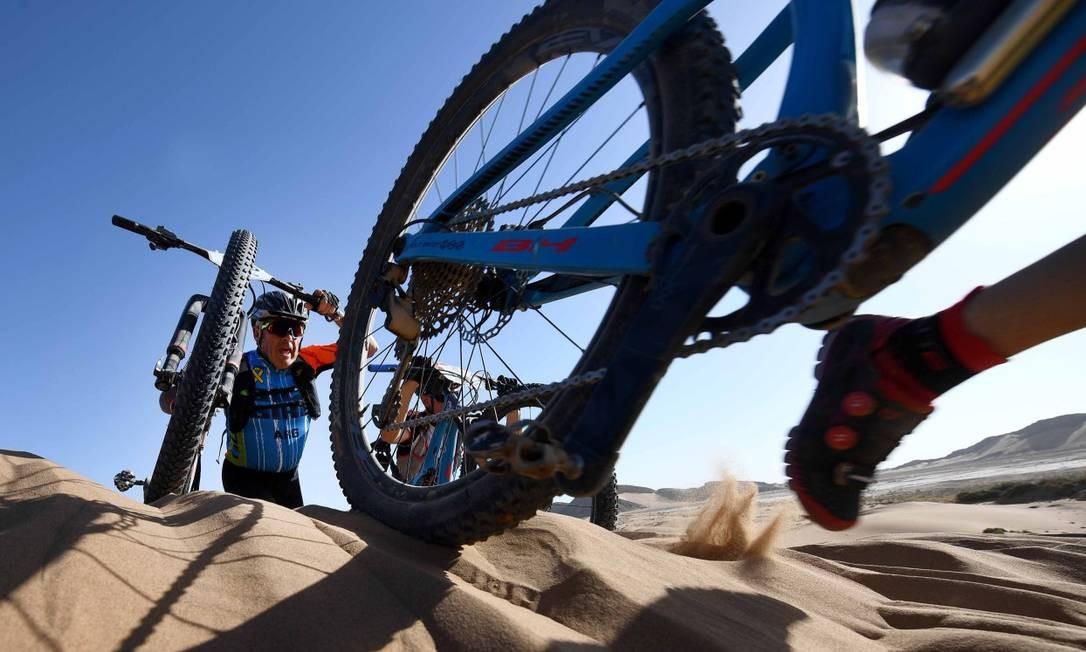 A edição 2018 foi dividida em seis etapas, com acentuados aclives para dificultar as pedaladas Franck Fife / AFP