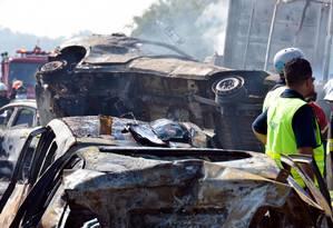 Um acidente envolvendo 36 veículos em Jacareí, SP Foto: Nilton Cardin / Photo Premium / Agência O Globo / Agência O Globo