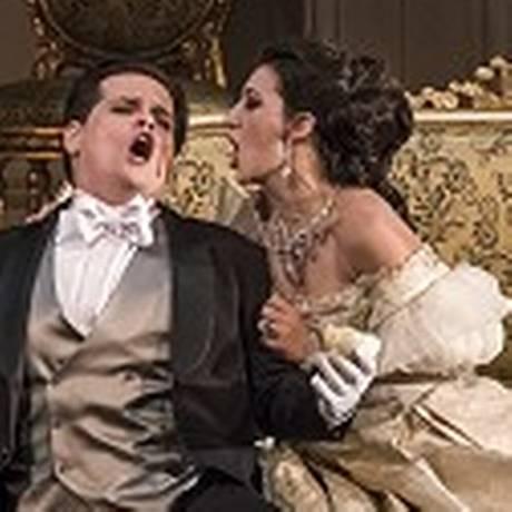 Cena da ópera La Traviata Foto: Daniel Mansur / Divulgação