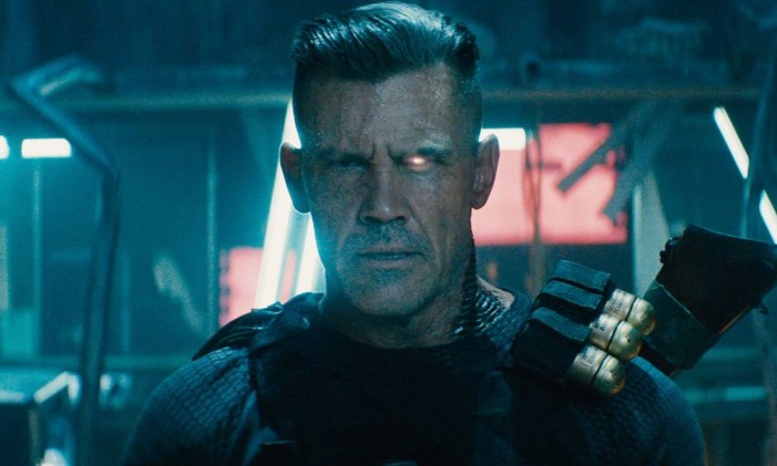 Cable é o pai adotivo de Hope Summers, e no filme podemos ver que o personagem anda com um urso de pelúcia preso na cintura Foto: Divulgação