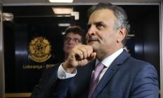 O senador Aécio Neves (PSDB-MG), quando chegava ao senado Foto: Givaldo Barbosa / Agência O Globo