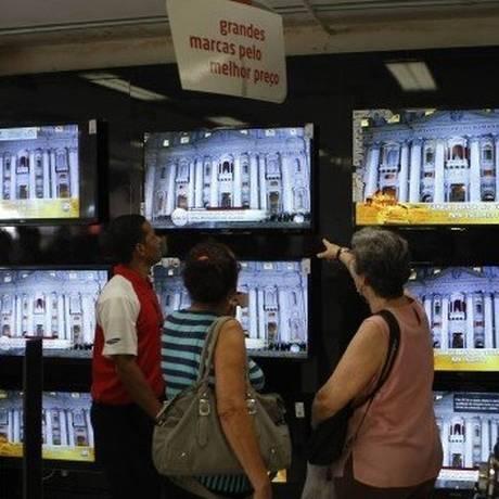 Loja de eletrodomésticos: comércio é obrigado a informar ausência de assistência técnica na nota fiscal ou no contrato Foto: Eduardo Naddar / 13.03.2013 / Agência O Globo