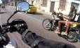 Motociclista registrou toda a ação dos bandidos