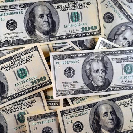 A moeda oficial dos Estados Unidos segue em alta Foto: Karen Bleier / AFP