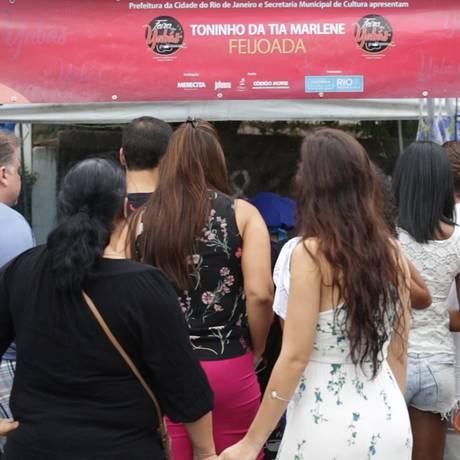 A feira voltou após cinco meses meses. Pratos como rabada, mocotó, anguà baiana e vaca atolada atraem os visitantes Foto: Renee Rocha / O Globo