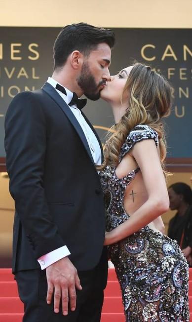 O casal Nabilla Benattia e Thomas Vergara ANNE-CHRISTINE POUJOULAT / AFP