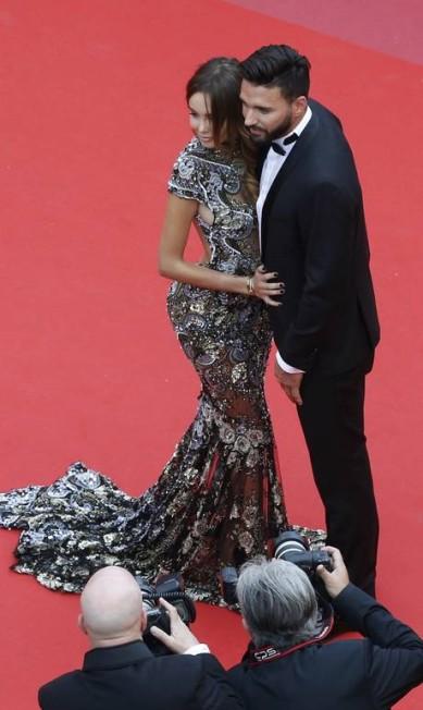 O casal Nabilla Benattia e Thomas Vergara JEAN-PAUL PELISSIER / REUTERS