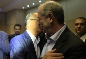 Ciro Gomes e Geraldo Alckmin se encontram em evento de sindicalistas em hotel no centro de São Paulo 27/04/2018 Foto: Edilson Dantas / Agência O Globo