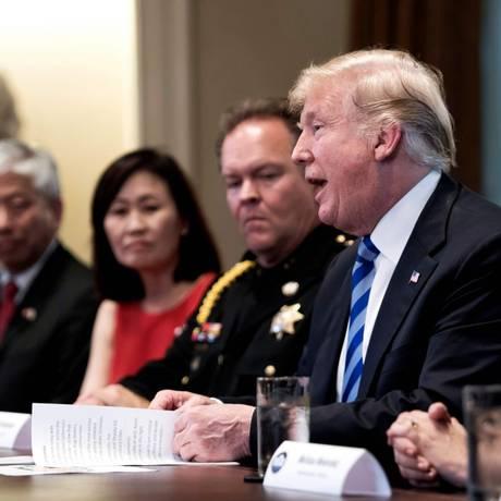 Presidente dos EUA, Donald Trump, fala durante mesa redonda sobre imigração na Casa Branca Foto: JIM WATSON / AFP