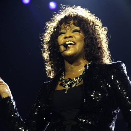 Whitney Houston canta em Londres durante turnê europeia, em 2010 Foto: Joel Ryan / AP