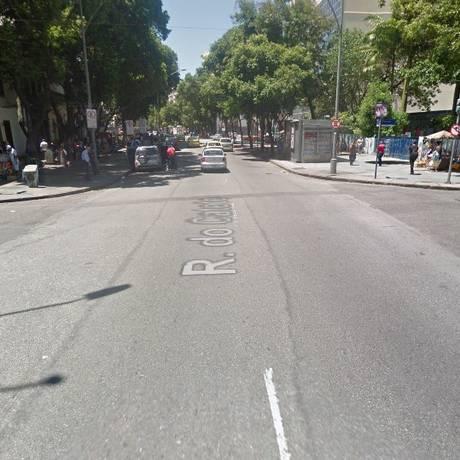 A Rua do Catete, onde o agente foi baleado Foto: Google Street View / Reprodução